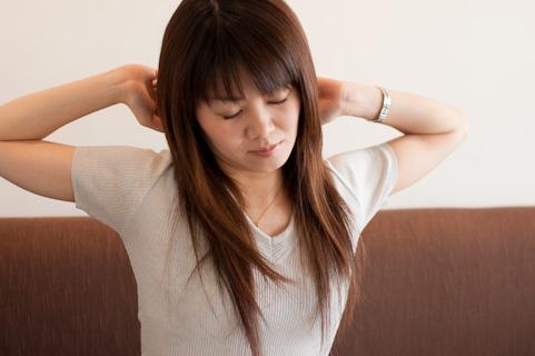 インフルエンザの初期症状!喉の痛みや咳、腹痛の特徴は?