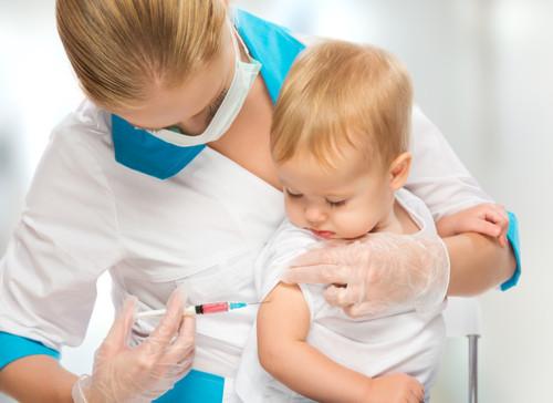 インフルエンザ予防接種、赤ちゃんはいつから必要?副作用の危険と注意点
