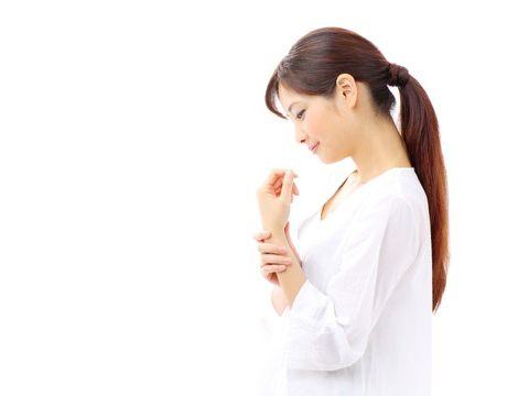 インフルエンザの関節痛を和らげるには?場所と原因、いつまで続く?